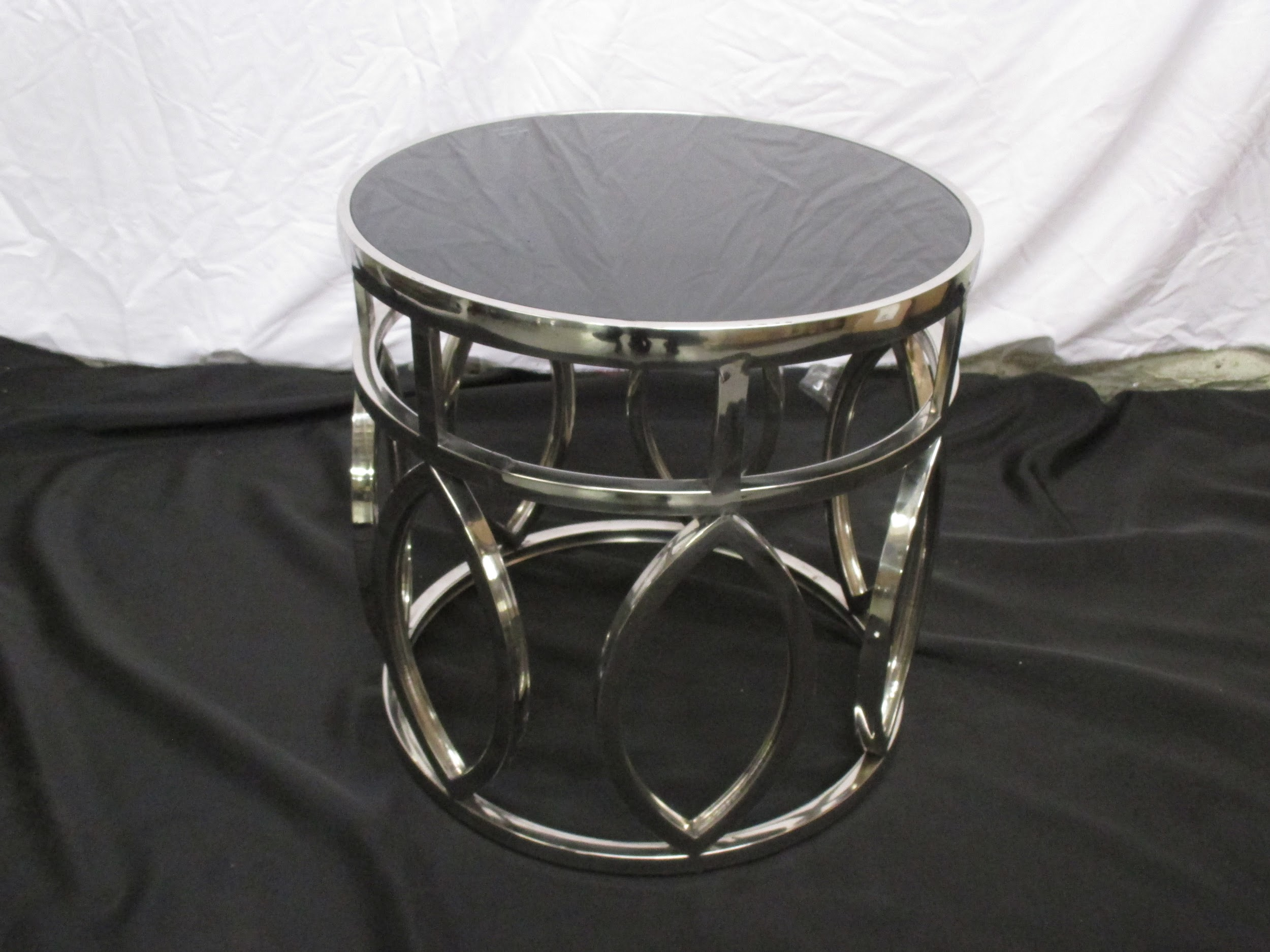 Nice STAINLESS STEEL ROUND TABLE E707 S